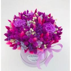 Flower Tavern Box 30 z wiecznymi różami (wymiary pudełka 15x15 cm)
