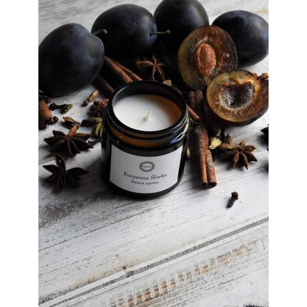 KARiTEe Zapachowa świeca sojowa KORZENNA ŚLIWKA