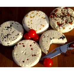Kozia Farma Złotna Kozi ser naturalny z suszonymi pomidorami i bazylią