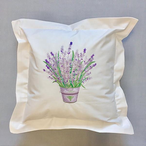 Lawendowy Ląd A decorative pillow - lavender