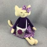 Lawendowy Ląd Krysia the cat with a fragrant handbag