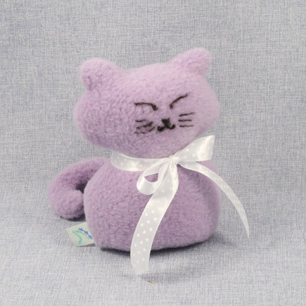 Lawendowy Ląd The purple cat scented cuddly toy