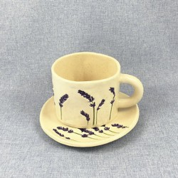 Lawendowy Ląd A cup + saucer with a lavender pattern