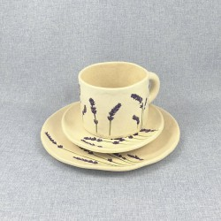Lawendowy Ląd A cup + saucer + plate with a lavender pattern