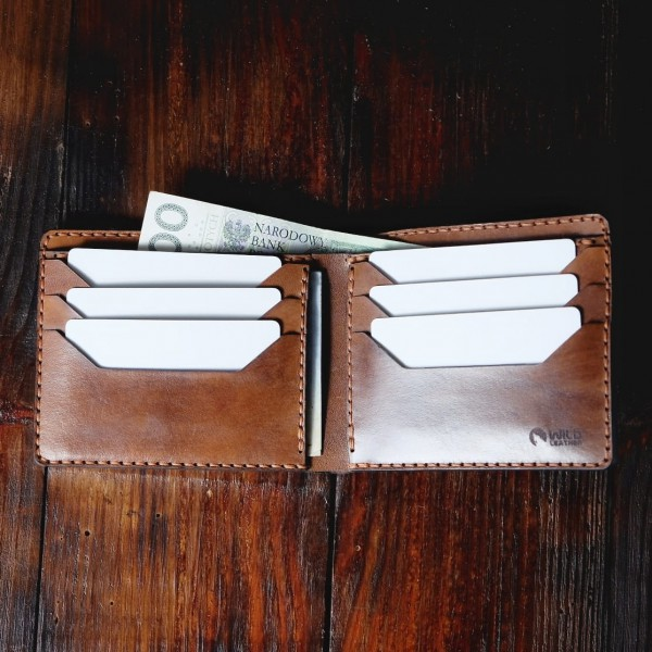 "Wildleather Folding wallet made of natural leather in a dark brown color - ""Horizontal"" model"